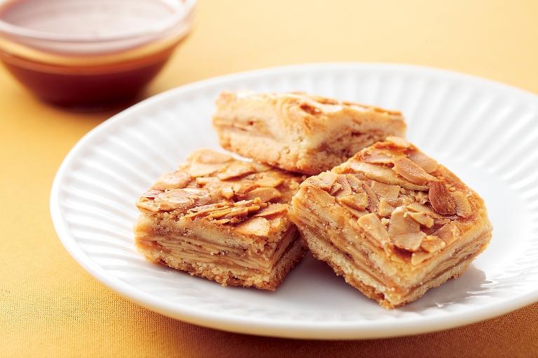 【1F横浜博覧館マーケット】大人気の横浜土産「横濱レンガ通り」と、当店オリジナルの「ふかひれスープ」の試食会 を行います。